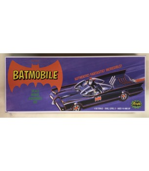 Batman 1966: Batmobile 1/32...