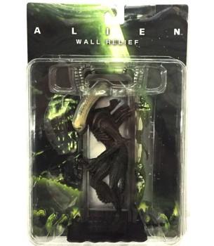 Alien: Alien Standing Wall...